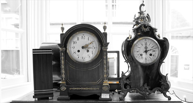 antique_table_clock
