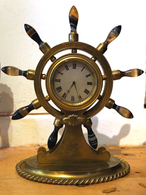 Ship wheel mantle clock